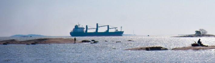 Laivojen navigointi merellä